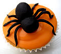 Halloween_Spider_Cup_Cake_(6868901903)