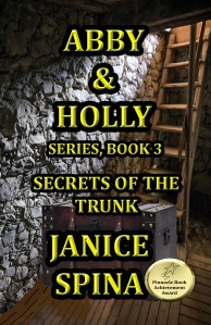 ABBY & HOLLY SERIES BOOK 3: SECRETS OF THE TRUNK
